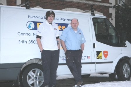 Dan Fee Heating Engineer's Logo